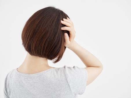 群発頭痛は頭痛の中でも一番激しい痛みを感じると言われています。また、偏頭痛や緊張性頭痛などと併発することも多く、日常生活に支障をきたすことが多いです。もしこのような症状がありましたら当院までお越しください!